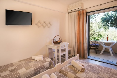 gallery/holidays-in-dassia-apartments-and-studios-marilena-marilena-apartments-studios-00015